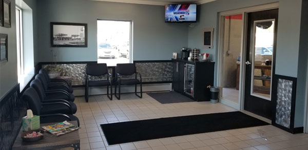 DeWitts' Auto Service | Lobby